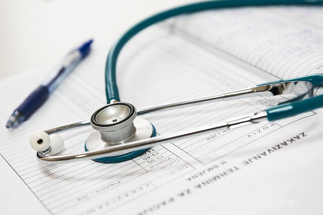 Cause e cure per le emorroidi esterne trombizzate